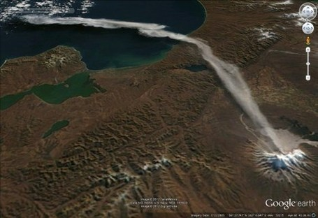 Viewing the ash plume from the Shiveluch Volcano | Google Earth Blog | CJones: GIS - GoogleEarth - Cartography | Scoop.it