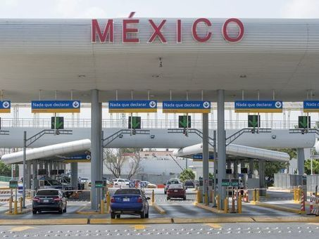 More Mexicans leave than enter USA in historic shift | AP Human GeographyNRHS | Scoop.it