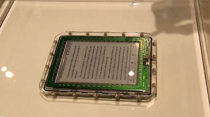 El eReader sumergible ideal para leer en la bañera | Libros electrónicos | Scoop.it