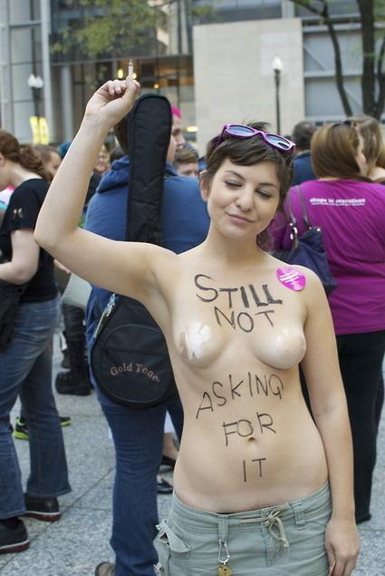 Non, une femme seins nus n'est pas de la viande | Vegactu - végétarien, végétalien et végan | Scoop.it