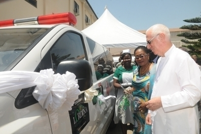 GRO: First Lady presents ambulance to Children's hospital | Paramedicine OHS | Scoop.it
