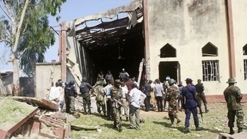 Hombres armados queman a 42 estudiantes y maestros en Nigeria | NUEVO CURSO para el PERU | Scoop.it