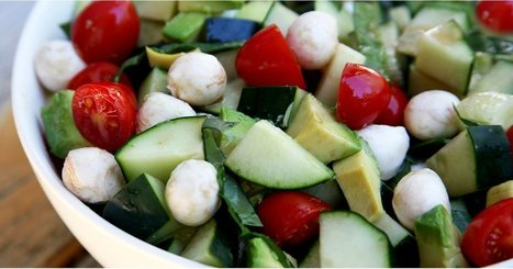 26 Fast and Easy Salad Recipes That Make Healthy Eating a Breeze | ♨ Family & Food ♨ | Scoop.it