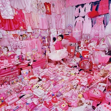 Incredible Portraits of Kids' Rooms: Pink Is for Girls, Blue Is for Boys | Culture Couleur | Scoop.it