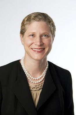 Survey shows women lawyers lag men in pay and title - Boston Business Journal | Women in the Law | Scoop.it
