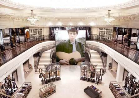 Does 'Showrooming' mean the end of retail? | CustomerThink | Integrated Brand Communications | Scoop.it