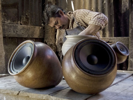 "Handmade, wireless clay speakers amplify the ""sound of the earth"" 