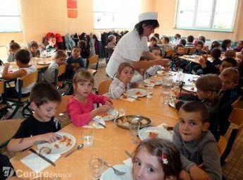 Un village d'Auvergne s'occupe de sa cantine scolaire et... ça marche !   Locavore   Manger Juste & Local   Scoop.it