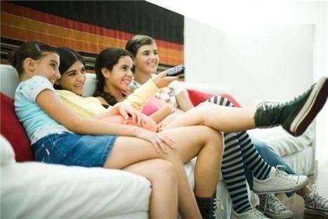 Los adolescentes consumen más horas de internet y menos de TV - Hiperconectados | Recursos educativos para madres y padres | Scoop.it