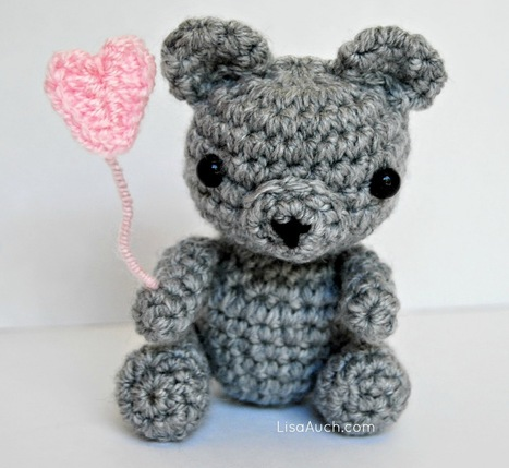 Free Crochet Patterns and Designs by LisaAuch: Free Crochet Pattern for a Tiny Teddy - Baby Bear Heart (Free amigurumi Patterns) | Crochet Crochet Crochet.... | Scoop.it