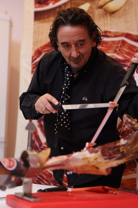 This Guy Gets Paid Thousands of Dollars to Slice Ham   Spanish Ham   Scoop.it