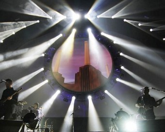 Brit Floyd Guitarist Damian Darlington on Bringing Pink Floyd's Music to the States | Around the Music world | Scoop.it