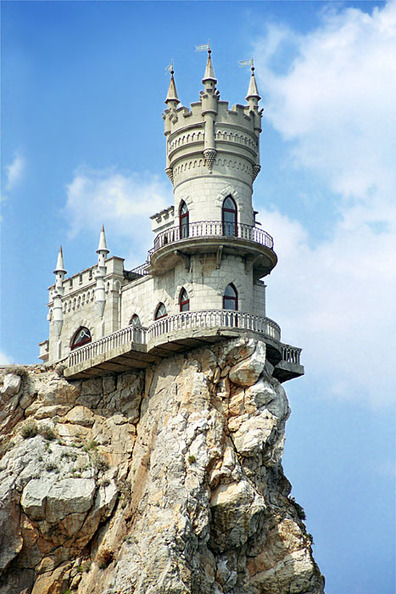 Swallow's Nest, the Sea Castle in Crimea | English Russia | Abandoned Houses | Scoop.it