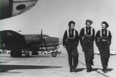 Female WWII American pilots given right to be buried in Arlington National Cemetery - ABC News (Australian Broadcasting Corporation)   World at War   Scoop.it