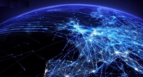 Impresionante timelapse nos muestra el tráfico aéreo de Europa como nunca lo hemos visto | Ecológico Cultura Ciencia Educación Padres Desarrollo Mundo | Scoop.it