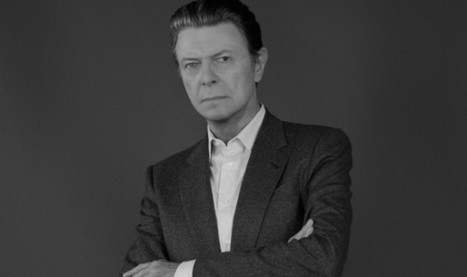 David Bowie shares extended preview of new single 'Blackstar' – watch | NME.COM (2015) | B-B-B-Bowie | Scoop.it