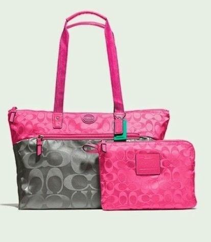 Review Tas Branded Wanita Terbaru: Tas Coach Nylon Packable Weekender tote Colourblock+pouch (grey pink) | Tas Wanita Cantik | Scoop.it