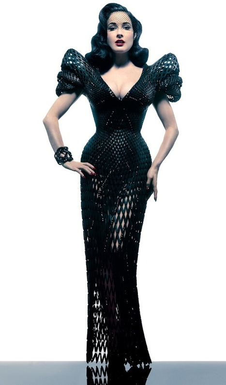 Revealing Dita Von Teese in the World's First Fully Articulated 3D Printed Gown | Amazing Science | Scoop.it