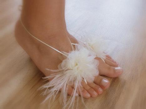 ivory Beach wedding barefoot sandals, FREE SHIPPING Organza Ivory Barefoot Sandals, Sexy, Yoga, Anklet , Bellydance, Steampunk, Beach Pool | wedding gloves | Scoop.it