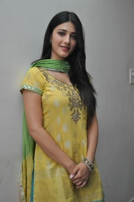 Cute Actress Shruti Hassan in Yellow Shirt and Green Patiala Salwar, Tollywood Girls Online | Indian Fashion Updates | Scoop.it
