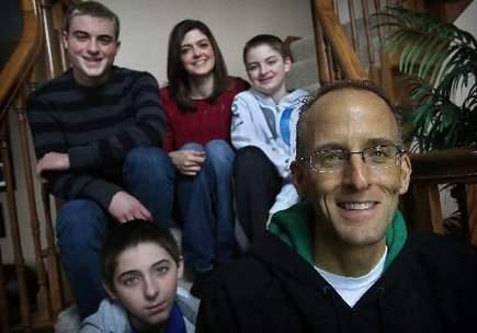 Mitch Albom: A father, a friend says his final farewell | Mitch Albom | Scoop.it