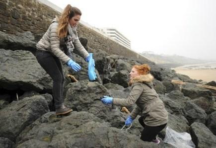 Le nettoyage de printemps des plages avec Surfrider | Idées responsables à suivre & tendances de société | Scoop.it