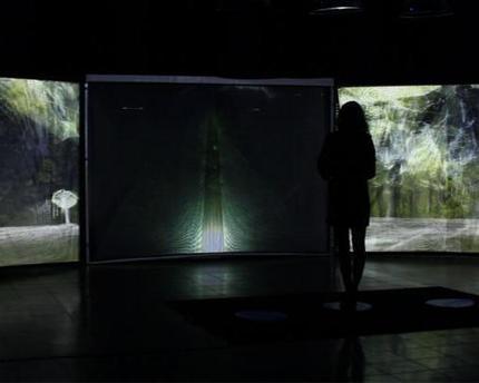 L'artiste Naziha Mestaoui présente son oeuvre ''One beat... | 1 Heart 1 Tree - COP21 | Scoop.it