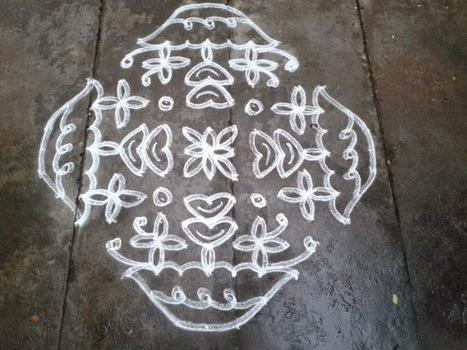 Rangoli designs/Kolam: [S.No 140] 15 Pulli 3 Varisai 3 Varai Ner Pulli Kolam - Flower Kolam | artes decorativas | Scoop.it
