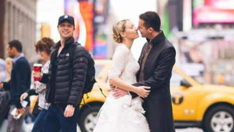 Un acteur s'incruste sur leur photo de mariage - 7sur7 | photo insolite | Scoop.it
