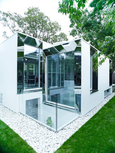 DSDHA's Covert House designed to camouflage with surrounds | A. Perry Design Lounge | Scoop.it