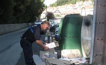 Dans le Doubs, un policier surveille les ordures - Le Pays BHM   Nord Franche-Comté écologie   Scoop.it