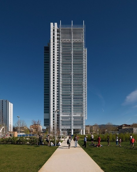 Renzo PIANO's intesa sanpaolo office building soars above turin | retail and design | Scoop.it