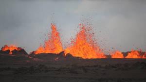 Bardarbunga : le volcan islandais crache des jets de lave de plus de 50 mètres   Echos de sciences   Scoop.it