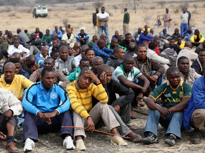 Shocking autopsy: South African police 'shot fleeing protesters in the back' | Trade unions and social activism | Scoop.it