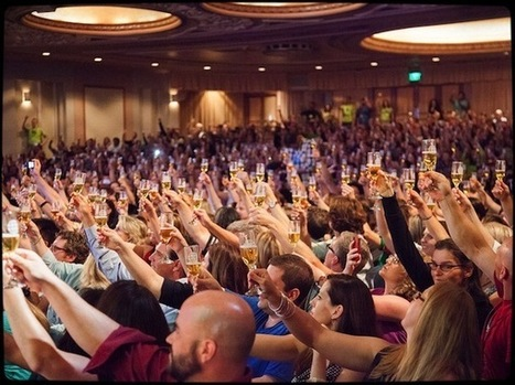 32 Ways to Easily Make New Friends at Live Events (& how an introvert met 70 people in 12 hours) | Live Your Legend | Literary Productivity | Scoop.it