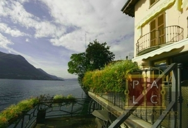 Waterfront house with pontoon   Villa for Sale Lake Como   Scoop.it