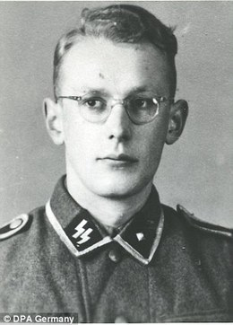 Former Auschwitz guard jailed for just five years | World at War | Scoop.it