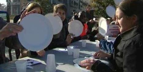 Repas imaginaire du Secours populaire pour défendre l'aide alimentaire européenne | Humanite | Union Européenne, une construction dans la tourmente | Scoop.it