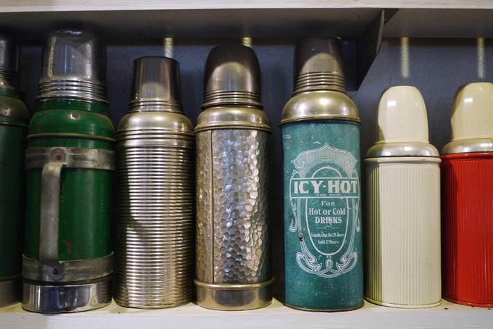 The Great American Thermos Hoard. | Antiques & Vintage Collectibles | Scoop.it