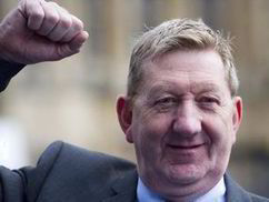 Red Len McCluskey vows to wreck Theresa May's Immigration Bill | Cultural Challenges Faced by Migrants | Scoop.it