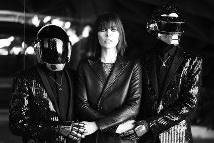 Daft Punk prend la pose avec Mila Jovovich ! | DJs, Clubs & Electronic Music | Scoop.it
