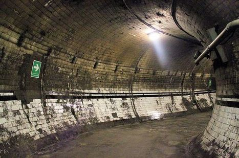 13 Abandoned Stations & Disused Platforms of the London Underground   Urban Ghosts     Photoshopography   Scoop.it