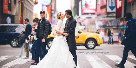 Zach Braff Accidentally Photobombs Couple's Wedding Photo In Times Square - Business Insider | Pangaeaphotography | Photography Tips and Your Online Resources for Anything Photography | Scoop.it