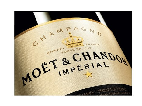 Moët & Chandon's global photo contest fuses brand image with celebration - Luxury Daily - Multichannel | New Customer - Passenger Experience | Scoop.it
