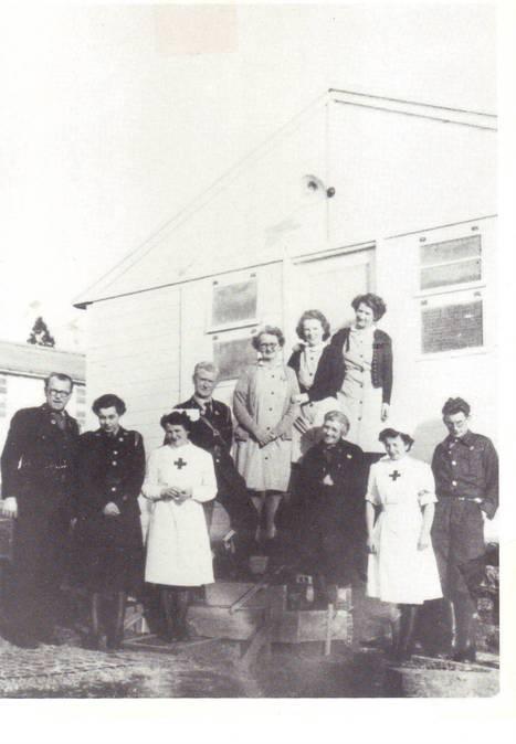 L'équipe de l'Hôpital de la Croix-Rouge Irlandaise à Saint-Lô (1946) | The Irish Red Cross Hospital | Scoop.it