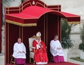 Pope: Meditate on Christ's passion during Holy Week :: EWTN News | Pope Francis | Scoop.it