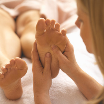Reflexology improves health related quality of life for women with advanced-stag | alternative health | Scoop.it