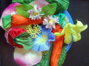 Créez une #salade colorée à base de #tissu #idée #DIY #Tuto #recyclage | Best of coin des bricoleurs | Scoop.it