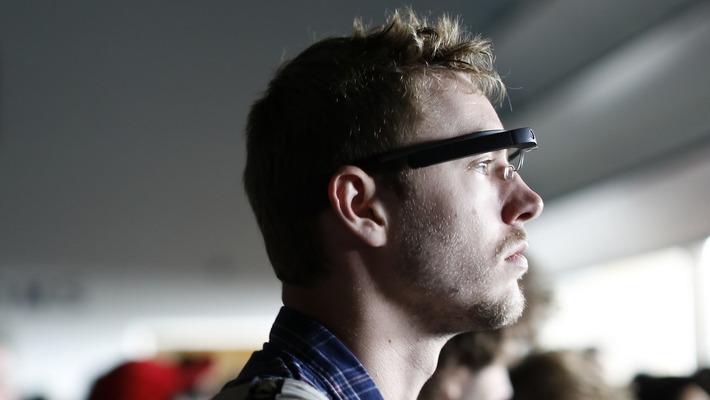 Google relance discrètement ses lunettes connectées en entreprise - BFMTV.COM | Internet du Futur | Scoop.it