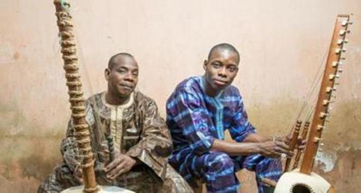 Toumani et Sidiki Diabaté : pair et fils | Mondomix | Afrique | Scoop.it